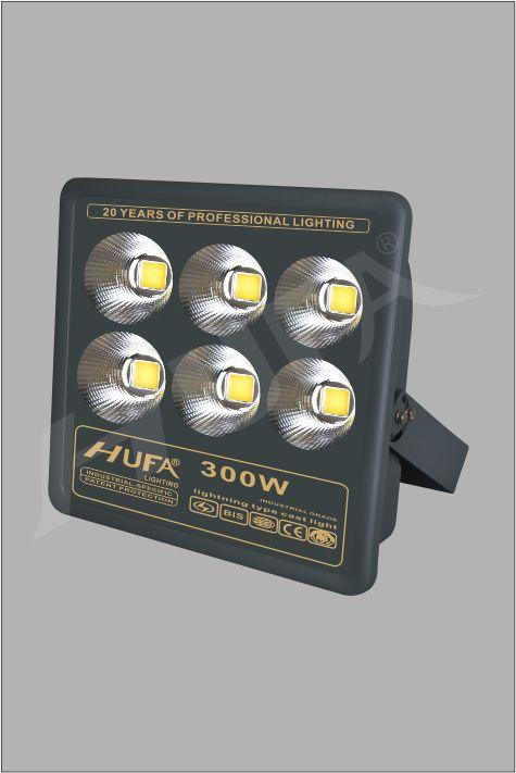 ĐÈN PHA LED HUFA FAD 300W COB L455xW110xH390 IP66 L55